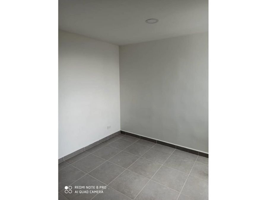 se vende apartamento en buenos aires medellin