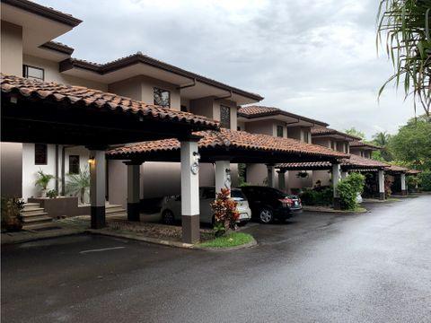 alquiler de casa en condominio ubicada cerca del centro de santa ana