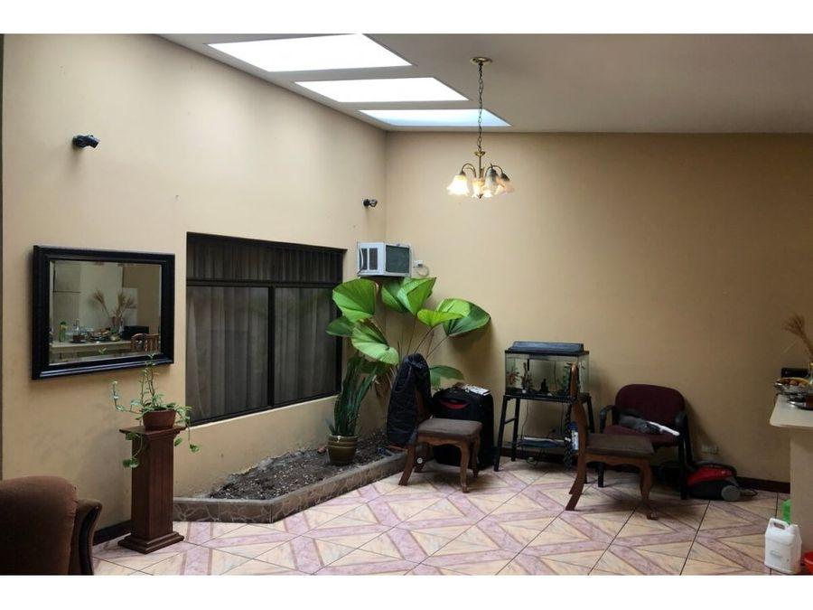 venta de casa en san sebastian a 300 metros de ctp de san sebastian