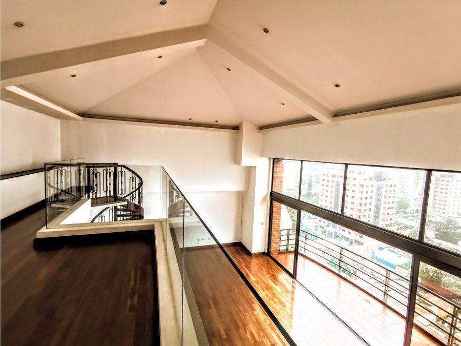 penthouse de doble altura y lindas vistas