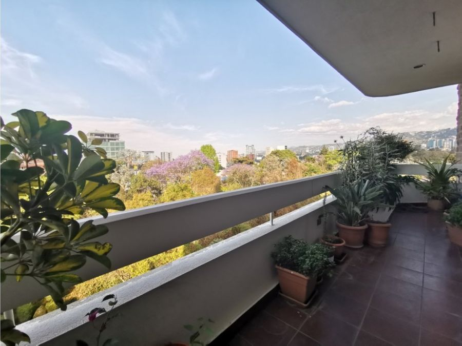 elegante apartamento con balcon zona 14