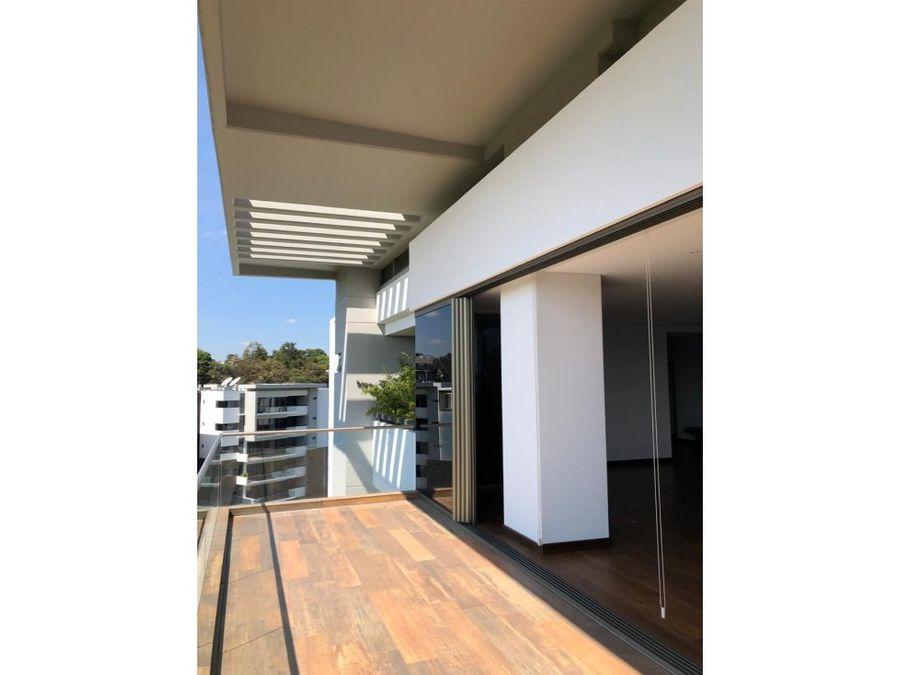 lujoso penthouse con entorno ecologico en cayala inversion