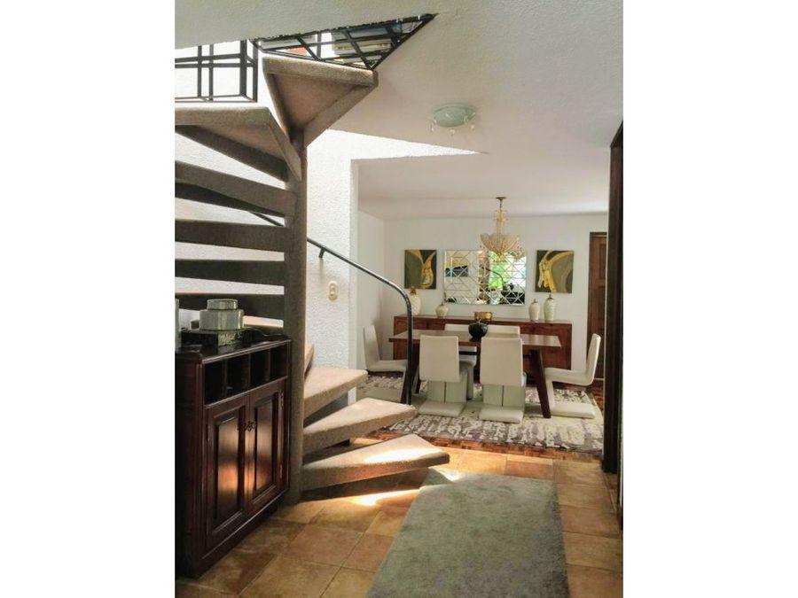 amplio loft dentro de condominio zona 14