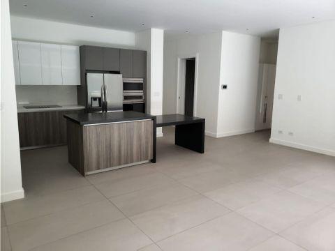 apartamento nuevo con jardin y acabados de lujo zona 10