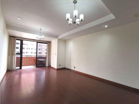 apartamento con balcon en nivel bajo zona 14