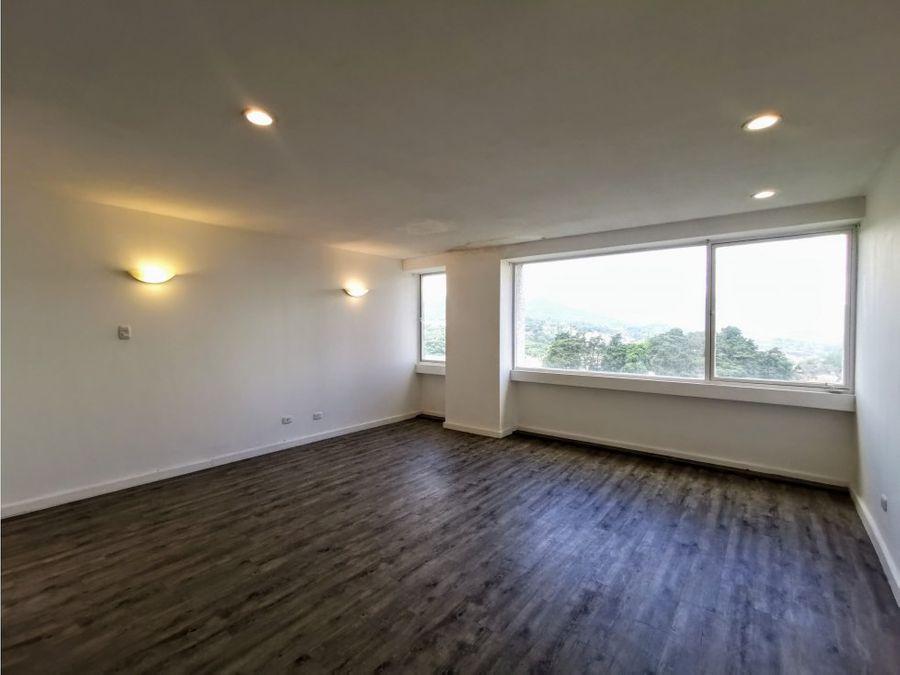 centrico y muy iluminado penthouse en zona 14