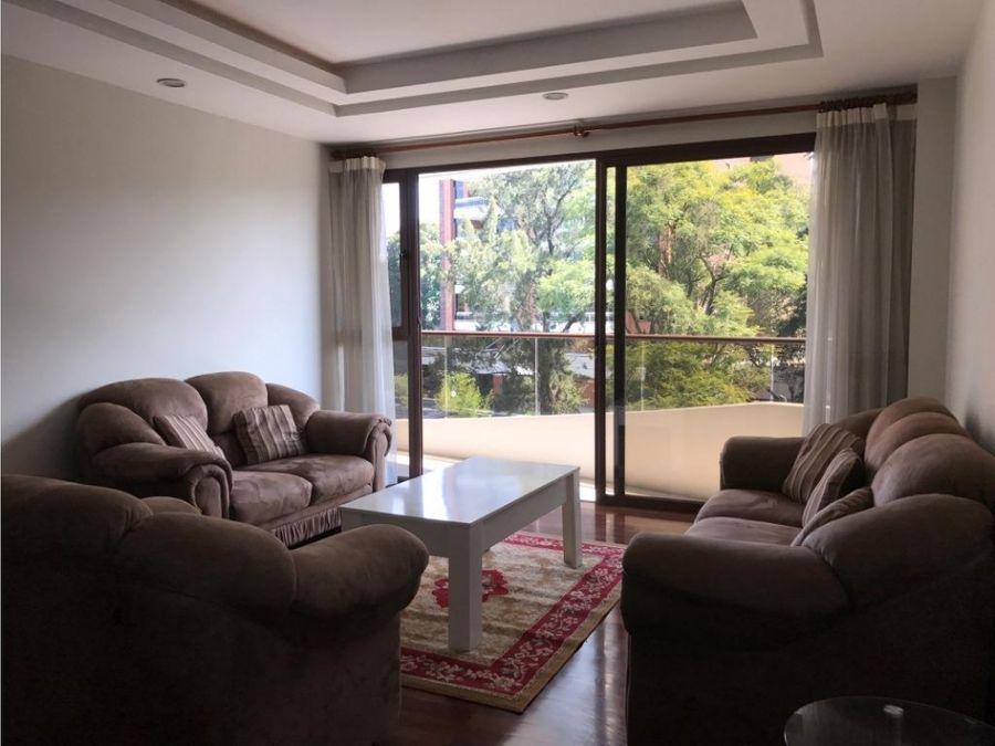 exclusivo piso bajo con balcon en zona 14