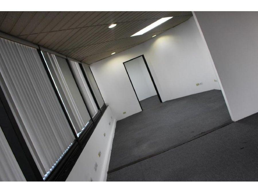 local zona viva 118 m2