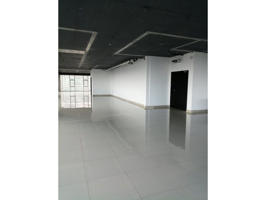 oficina en nivel alto zona 15