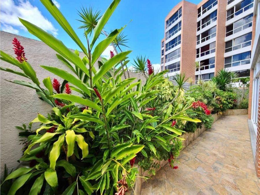vendo apartamento planta baja en el solar del hatillo