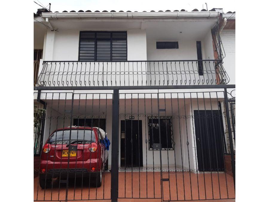 casa bifamiliar barrio los andes 176m2