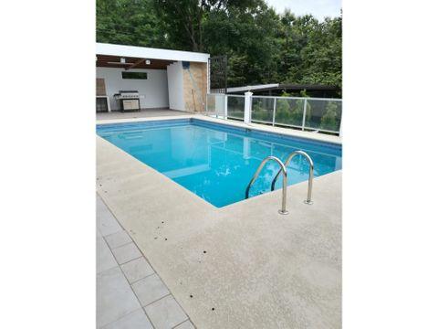 vendo alquilo casa con piscina en costa esmeralda