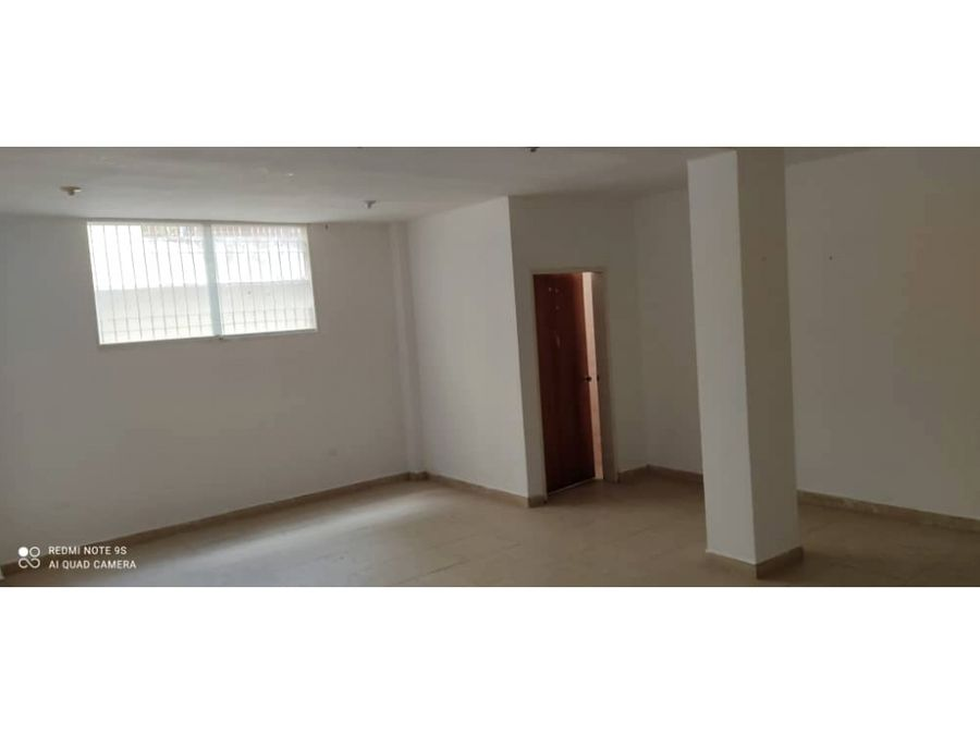 real vision vende edificio con oficinas administrativas ibo 124016