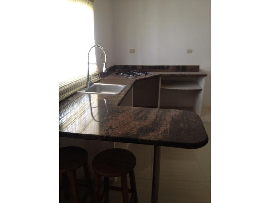 real vision vende town house ibo 49451