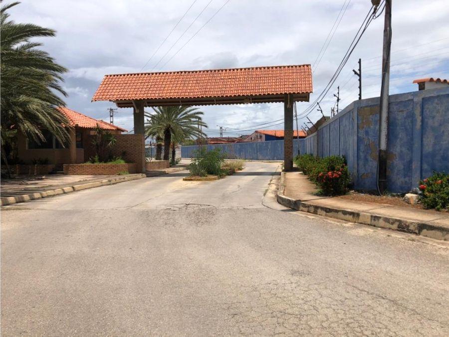 venta de casa en portal de la laguna 198m23h2h2pe isla de margarita