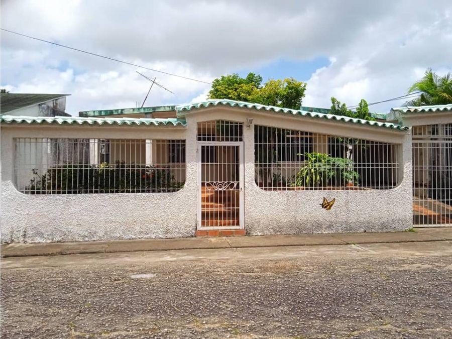 real vision vende casa en alto los godos ibo 120067