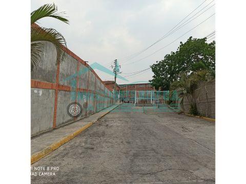 se vende casa 112mt2 4h2b1pe bonaventura country club guatire