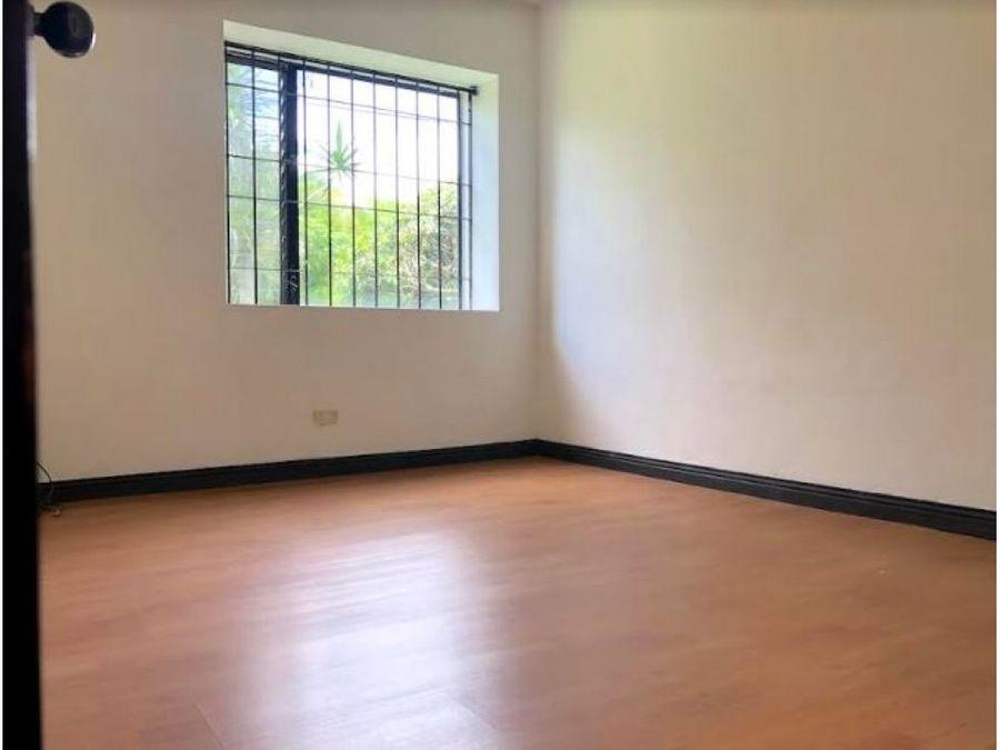 venta de casa en condominio en rio oro santa ana san jose
