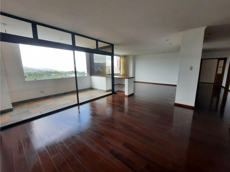 apartamento con balcon en zona 14