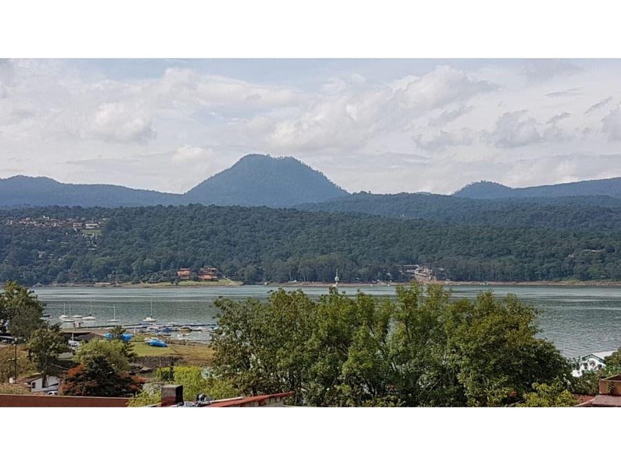 excelente propiedad con vista al lago