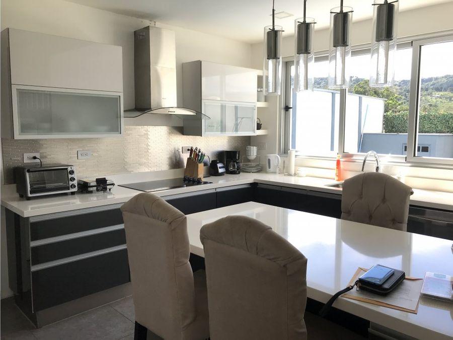 venta de casa en curridabat dentro de condominio