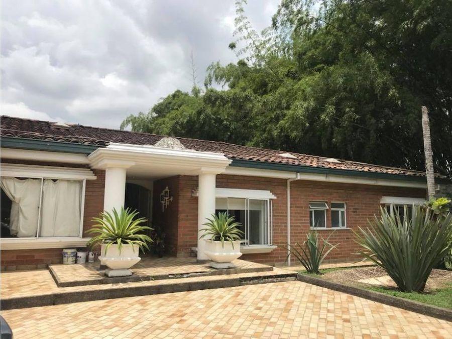 casa en venta de un nivel el poblado medellin