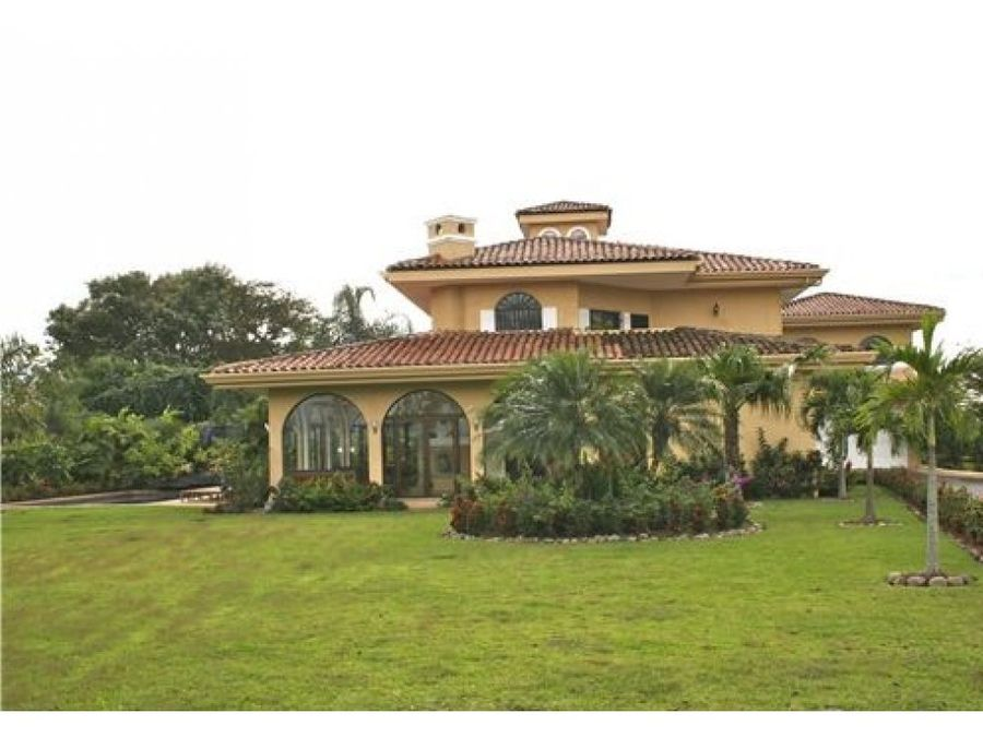 villa de lujo en la garita alajuela