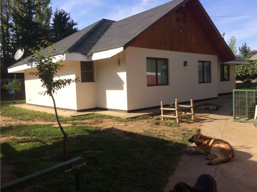 casa con hermoso y amplio terreno en machali