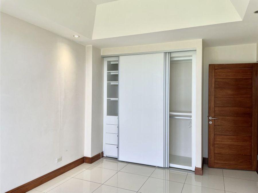 apartamento con vistas excepcionales en escazu
