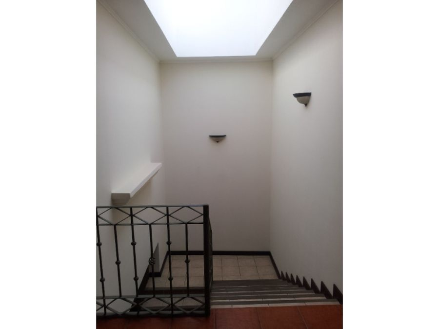 casa en alquiler escazu guachipelin