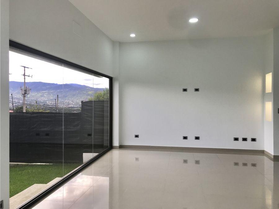alquiler de casa moderna en ulloa heredia
