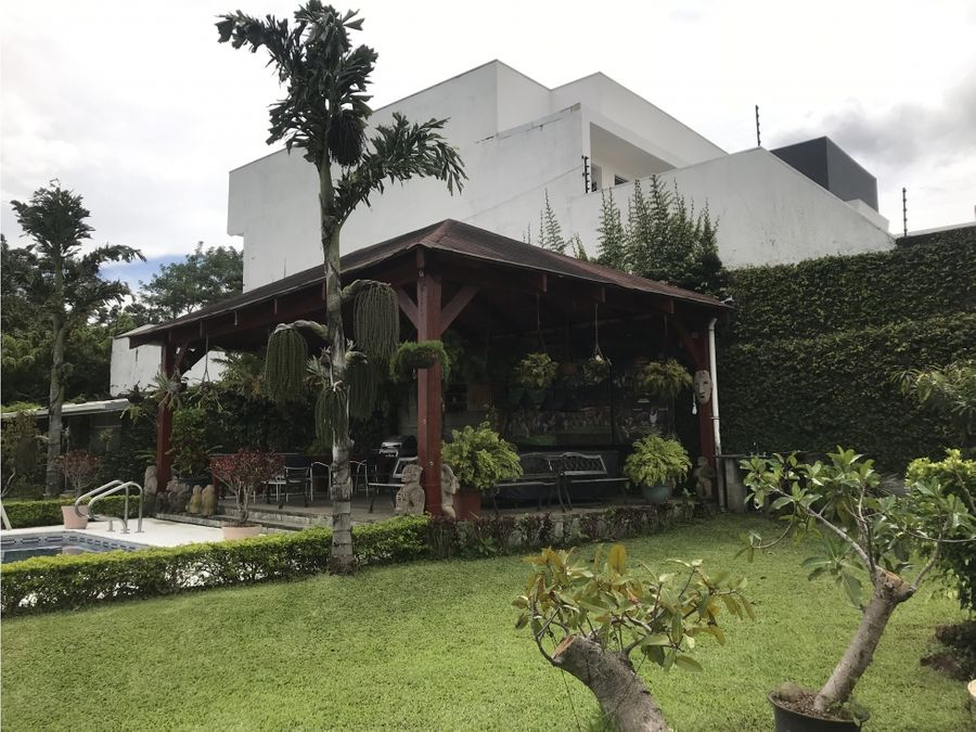 casa independiente en escazu