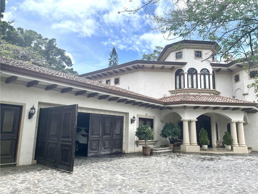 espectacular casa amueblada en escazu