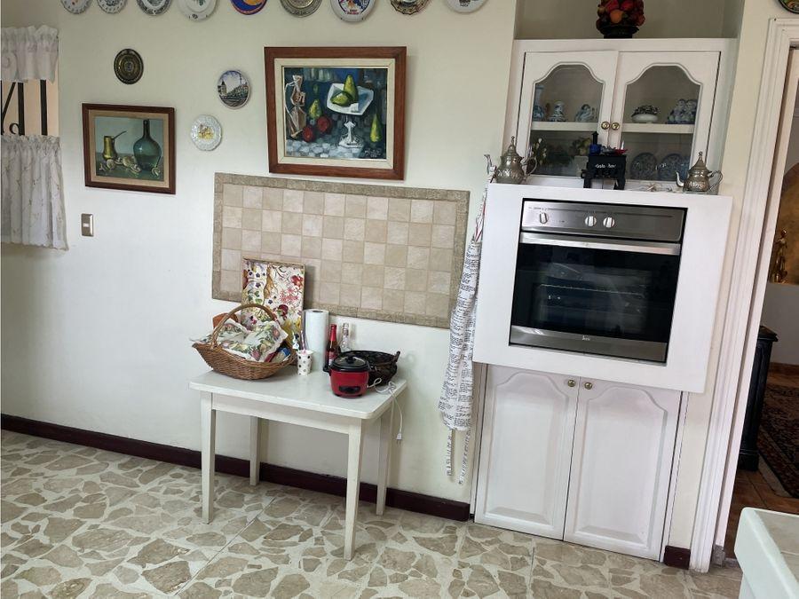 exquisita e independiente casa urbana en laureles escazu