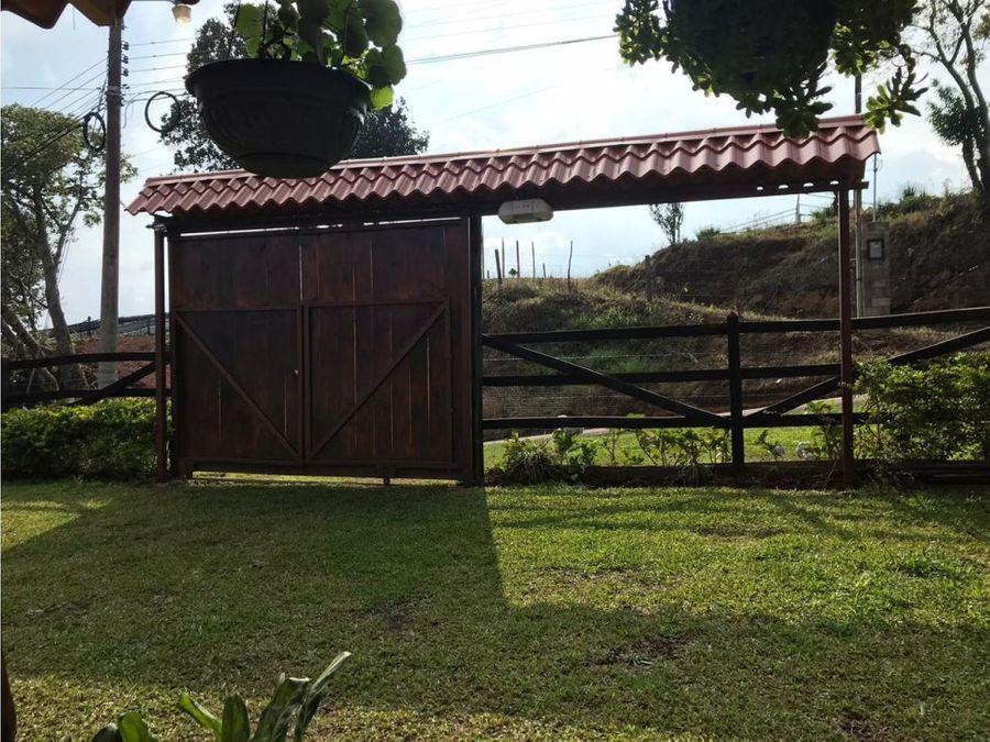 se vende cabana con vista panoramica en poas de alajuela