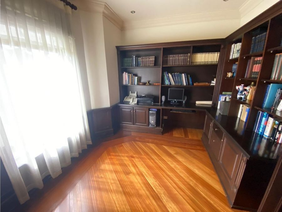 se vende lujosa residencia en exclusivo condominio en curridabat