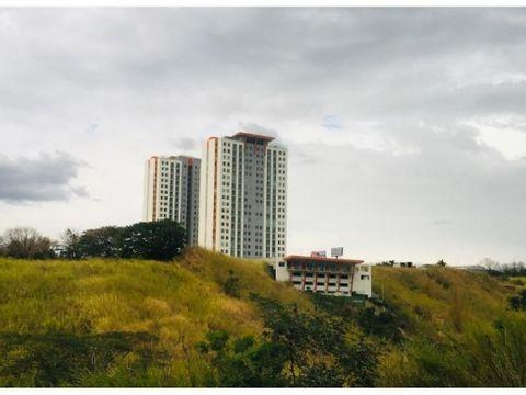 lindo apartamento en torre en lagunilla