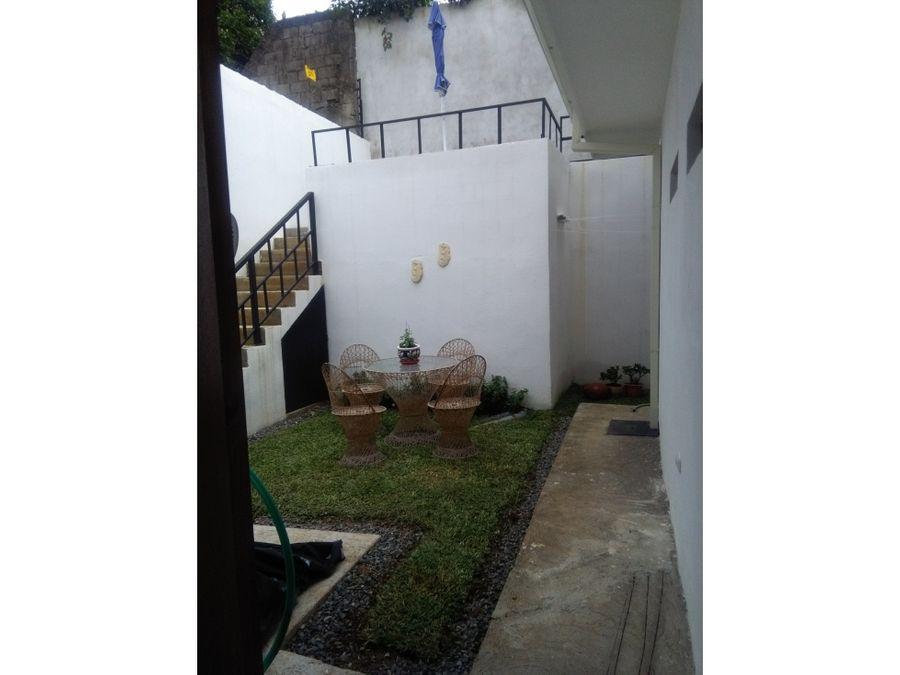 linda y comoda propiedad con 2 casas independientes curridabat
