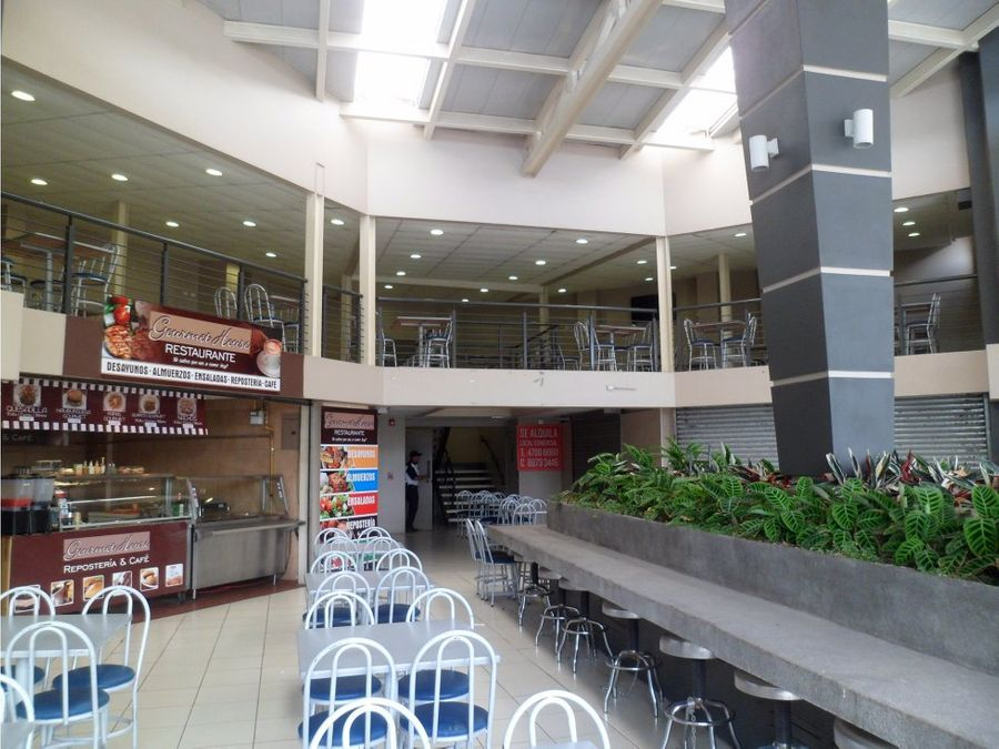local en food court en centro comercial en heredia