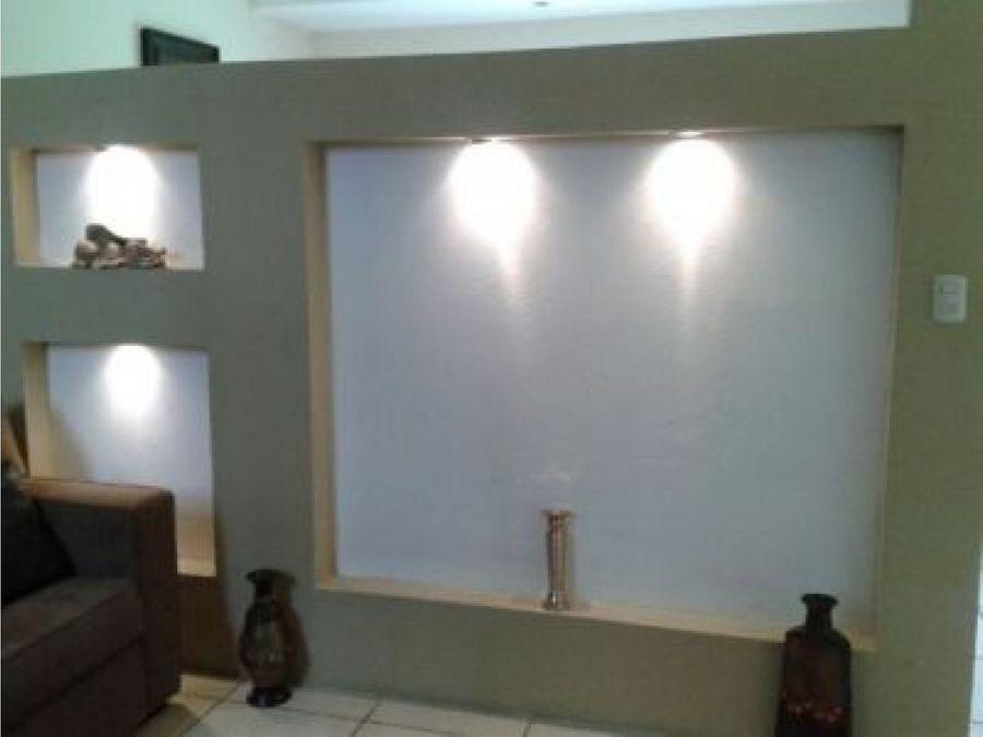venta de casa en exclusivo condominio en grecia
