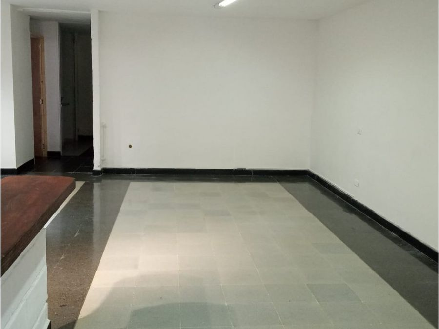 arriendo local en la castellana