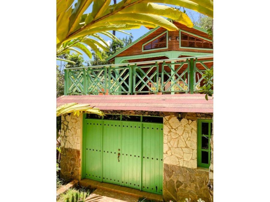 rento villa en jarabacoa capacidad para 12 personas