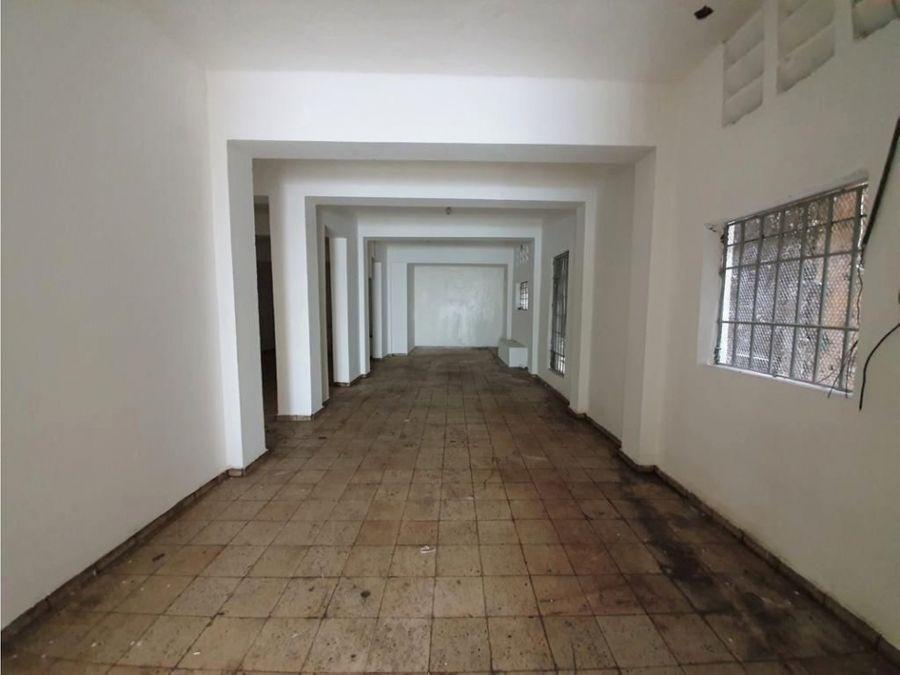 alquilo edificio de 3 niveles 200 mts2 x piso villa juana