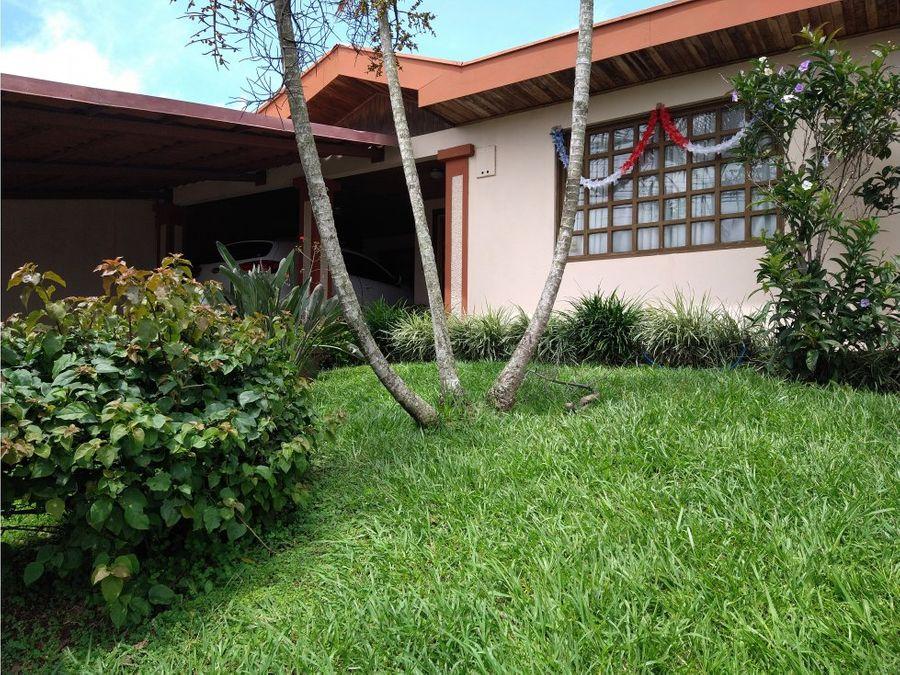 interesante casa frente a on wells centro de san ramon de alajuela