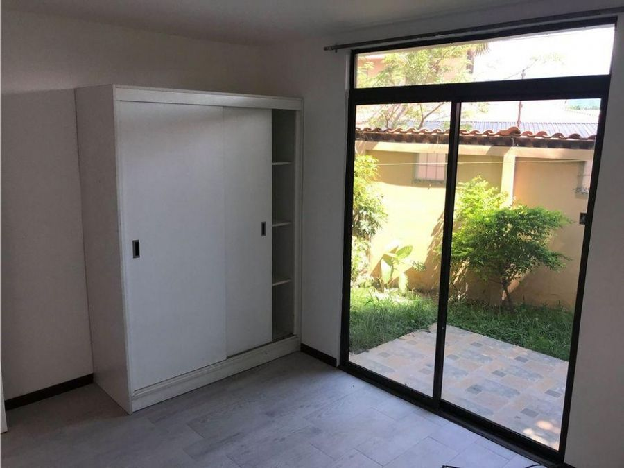 1399 sa z alquiler de apartamento de 2 hab en residencial pozos