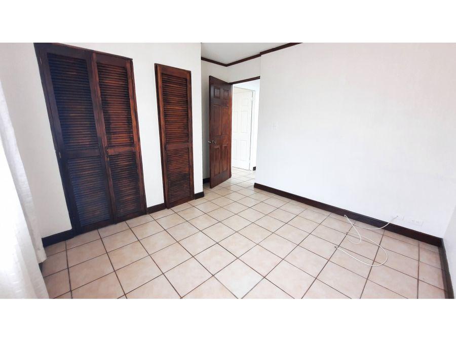 1413 h b casa en alquiler con 3 habitaciones y amplio jardin en belen