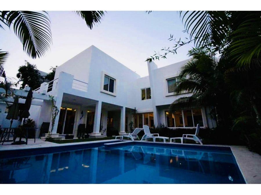 casa en la mejor zona de cancun
