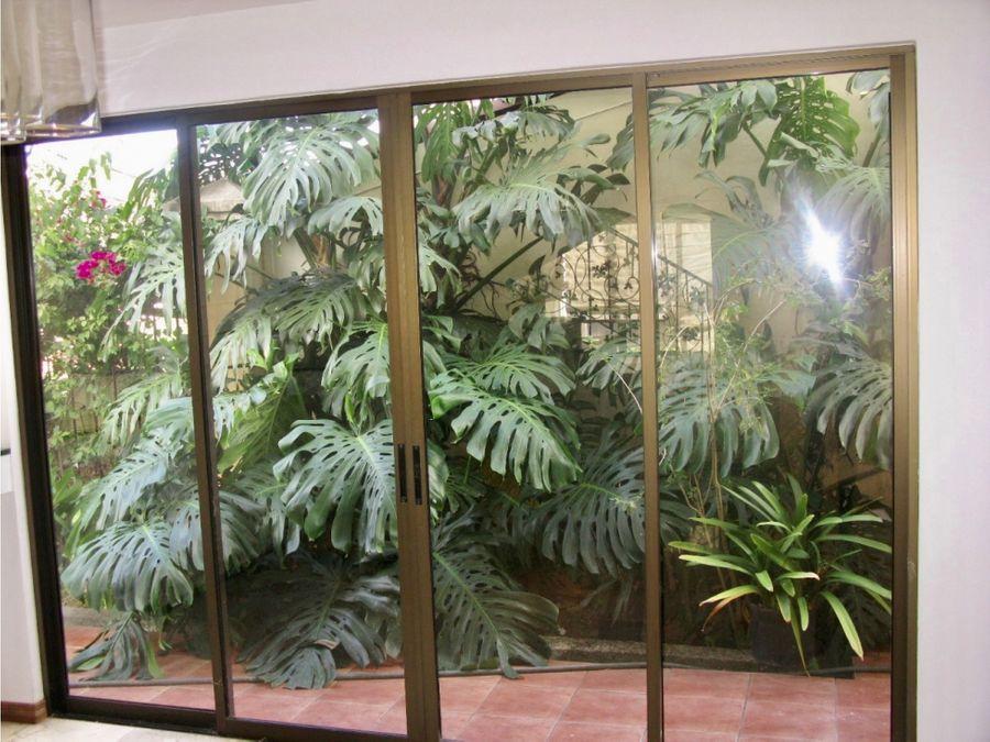 alquiler casa en pinares curridabat en condominio