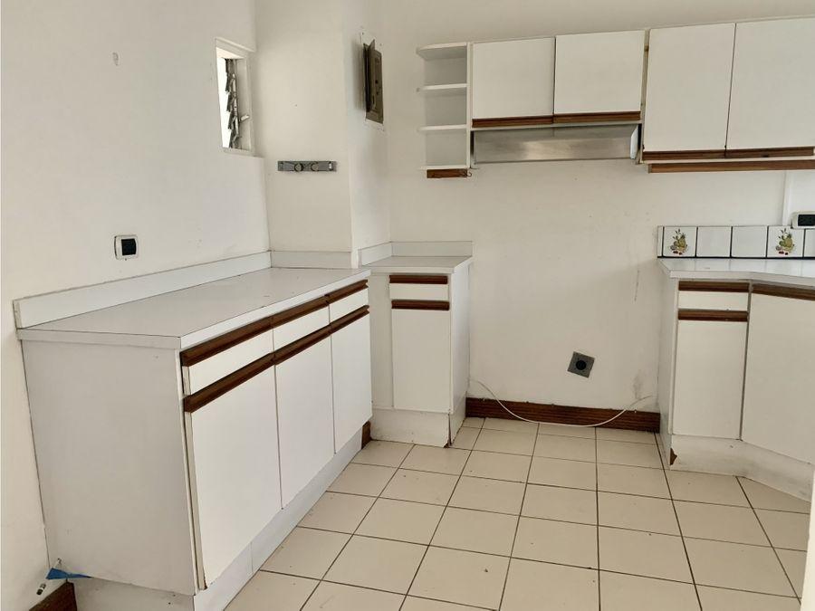 alquiler de apartamento en curridabat barrio freses en condominio