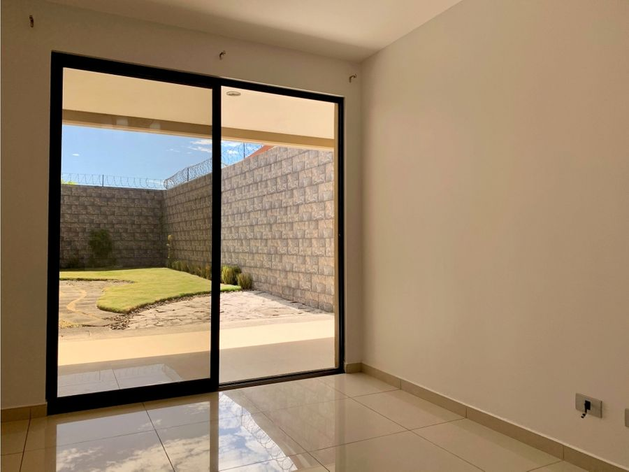 venta casa en residencial calle freses curridabat